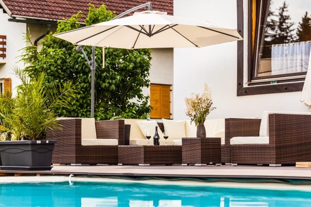 Contemporary Outdoor Furniture (3).jpeg